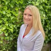 Instructor Hayley Stainton
