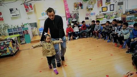 Teaching English in China: How to teach Kindergarten Kids?