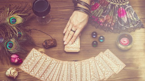 How to Use Tarot To Interpret Your Dreams