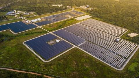 Diseño de Parques Fotovoltaicos Conectados a Red.