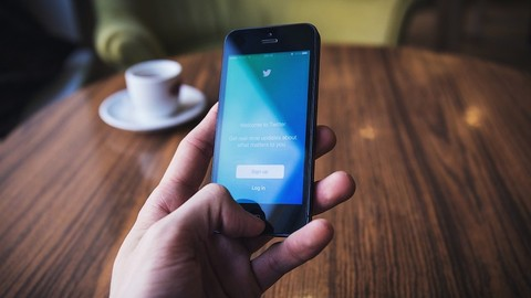 Businesses: How to Use Twitter for PR and Media Coverage