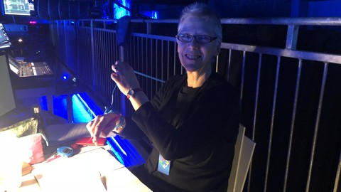 An introduction to showcalling for Stage Management Students