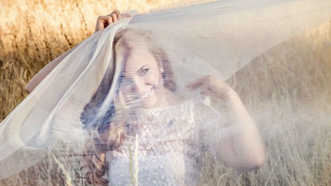 Braut-Make-up und Brautfrisur