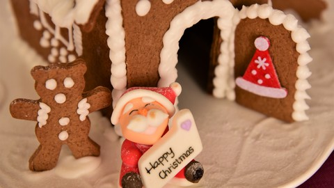 Home of Delicious: Traditional Gingerbread Houses