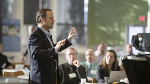 How to program your mind for success in giving presentations