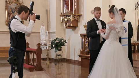 Wedding Photography - Secrets of Photographing in a Church
