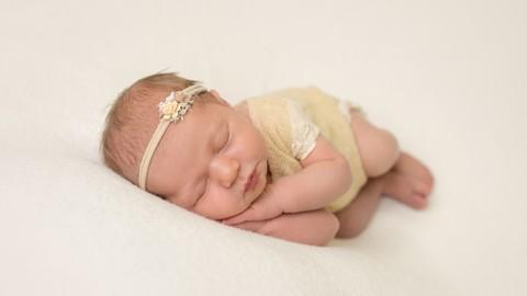 Newborn Baby Photography - Training for Beginners