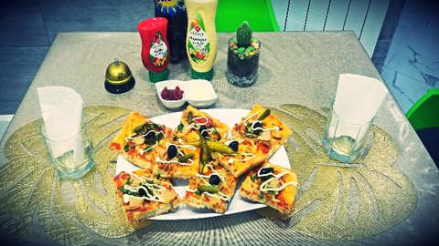 Cook Algerian square pizza at home