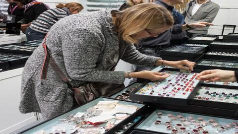How do Jewellery companies attract customers?