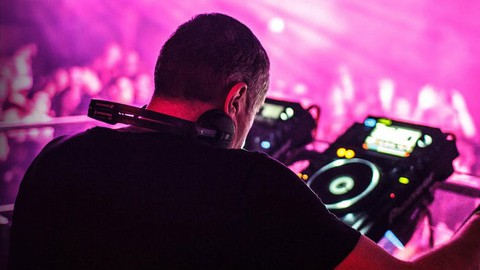 DJ - How To Be A Tech House DJ And Play At Festivals