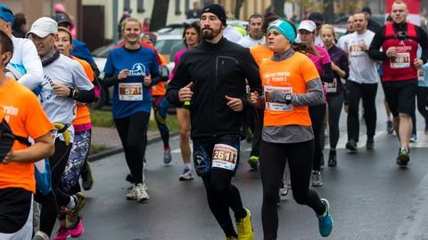 Gotowy do biegu? Jak rozciągać się i dbać o ciało biegacza?