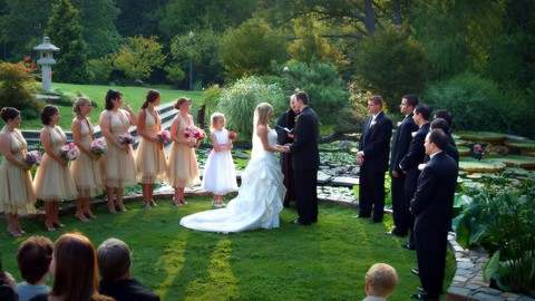 A Guide to Running a Successful Wedding Photography Business